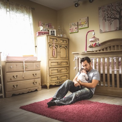 Some Advice on Taking Your Own Baby's Pictures