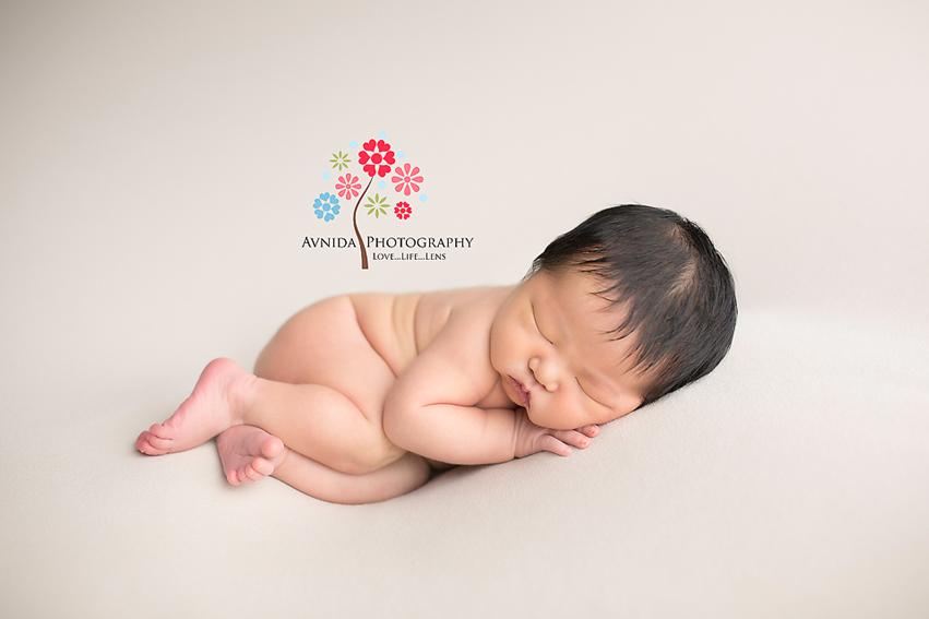 Tips for side lying newborn pose by Newborn Photographer NJ