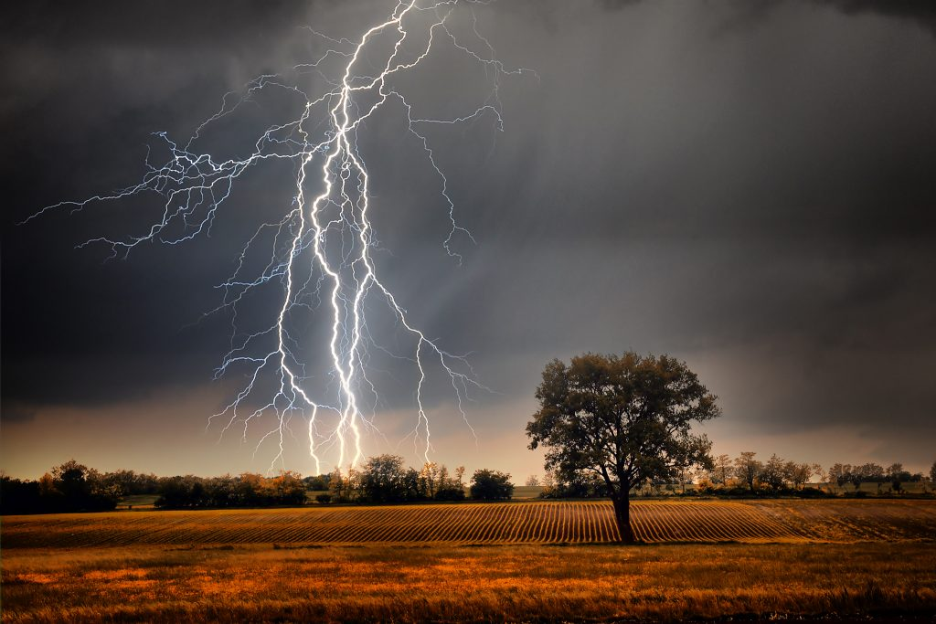 photograph lightning